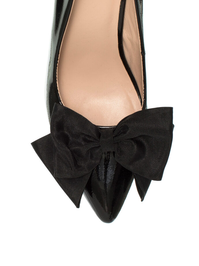 Lucy May Heel