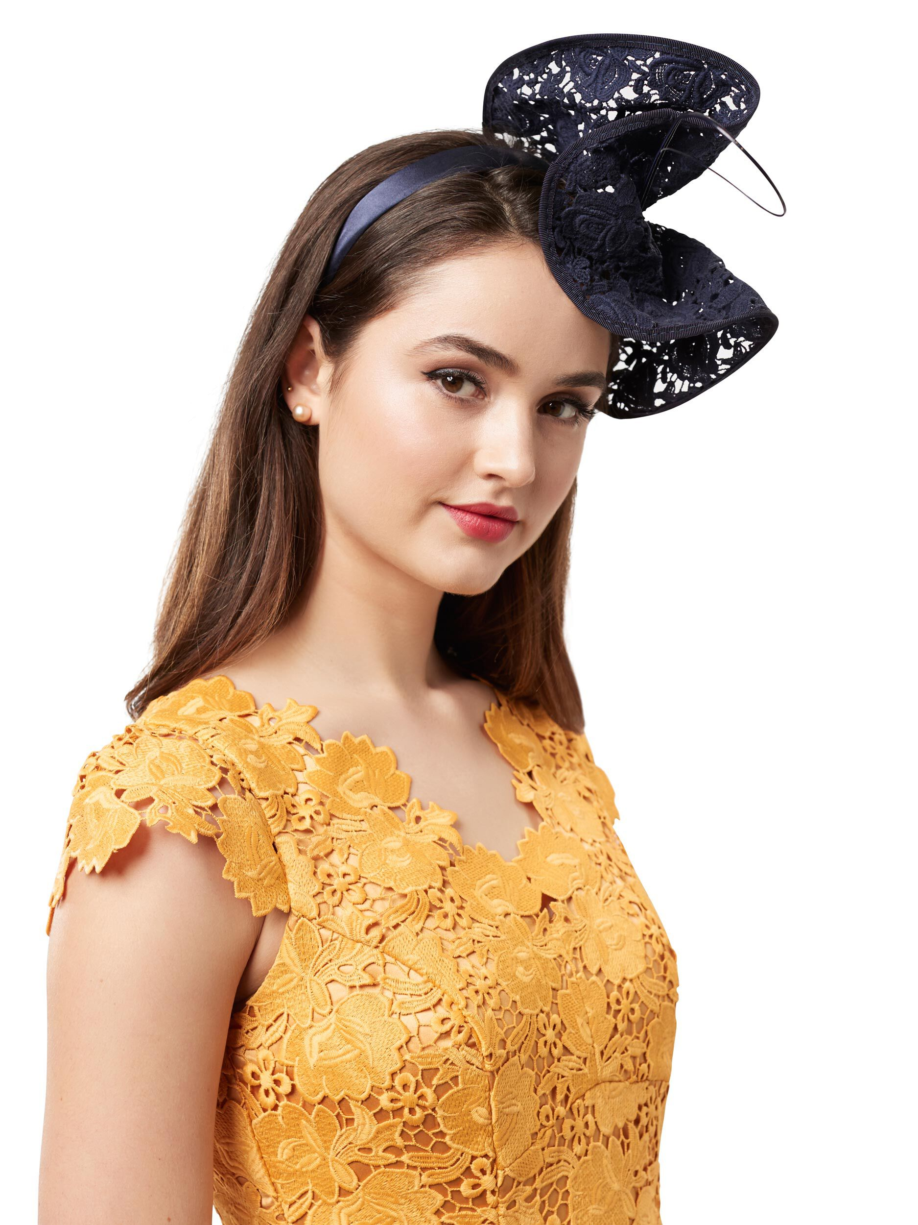 Lacey Love Fascinator